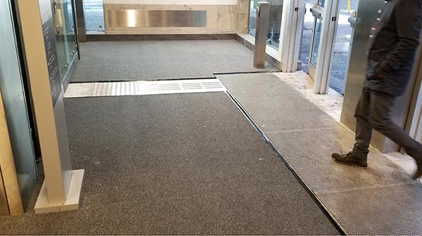 Image of a mat installed at Rideau Station
