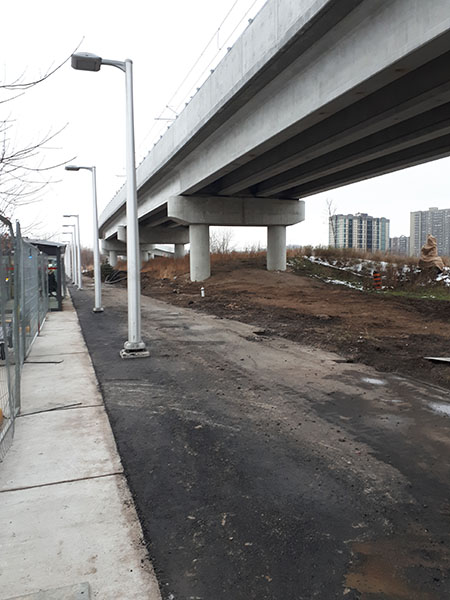 Image of the Hurdman Station pathway