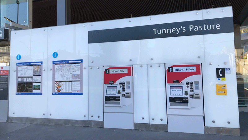 Image of Transit Information Panels at Tunney's Pasture station