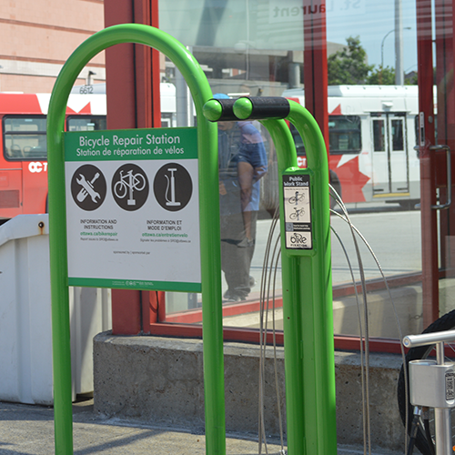Exemple d'un poste de réparation de bicyclettes