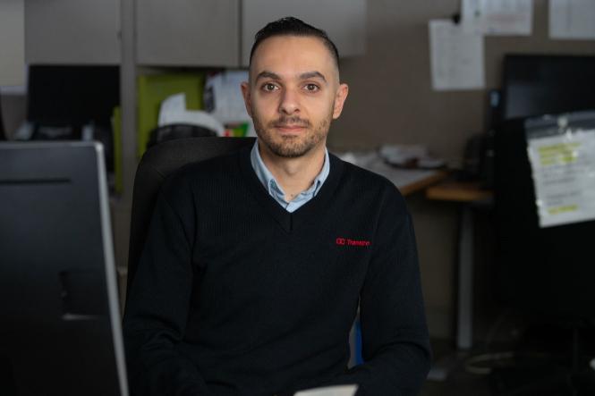 Picture of a customer service representative working