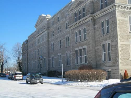 Université Saint-Paul photo 2